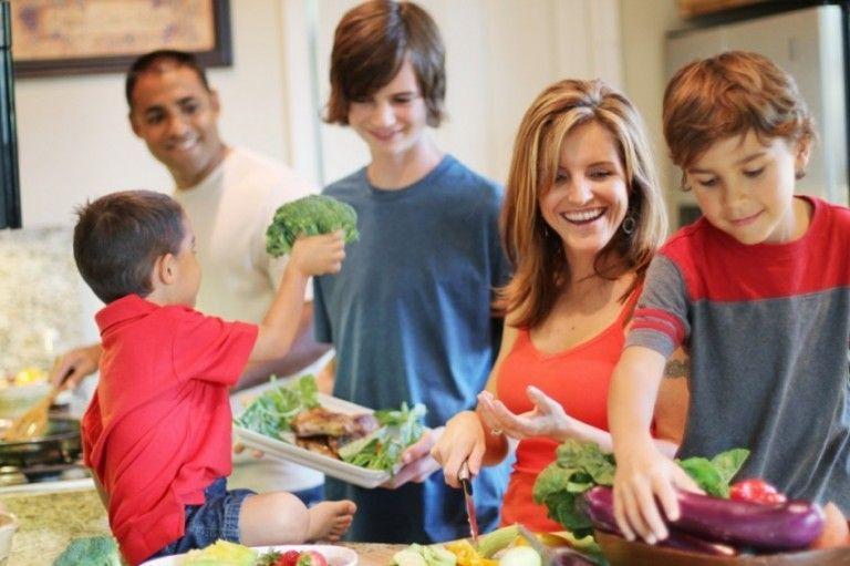 variedad en la alimentación infantil crecimeiento saludable sin anemo con habitos saludables ADN clínica de nutrición y dietética Jerez de la frontera Cadiz.