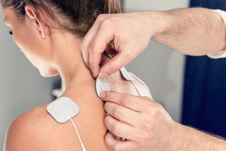 Fisioterapia y electroestimulación clinica adn fisioterapia jerez masajes puncion seca, vendaje neuromuscular electroestimulación.