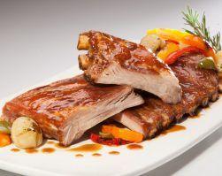 Costillas de cerdo al horno con verduras