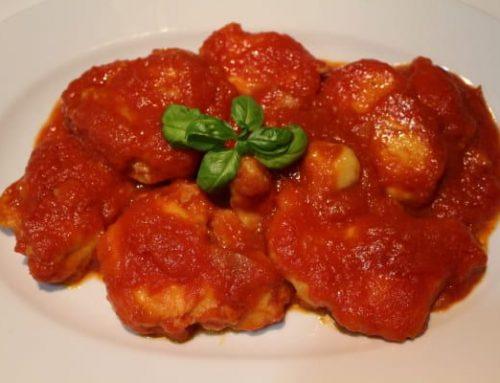 Cazón en tomate